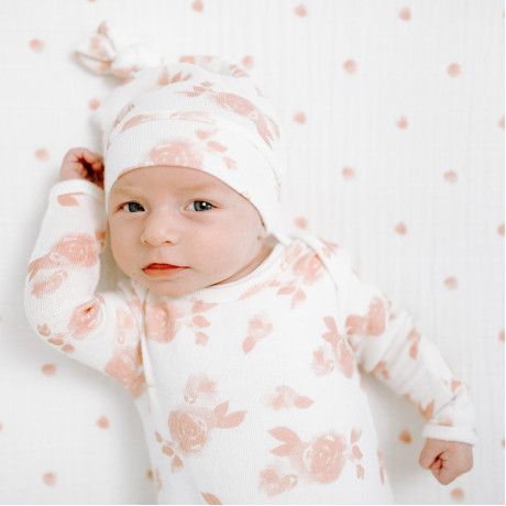 Aden + Anais - Snuggle Knit Knotted Gown & Hat - Rosettes