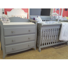 Lil Angels - Crib and changing table Naples